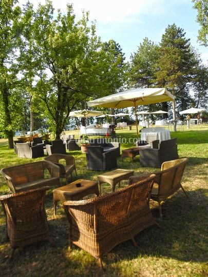 Castello di felino for Allestimento giardino