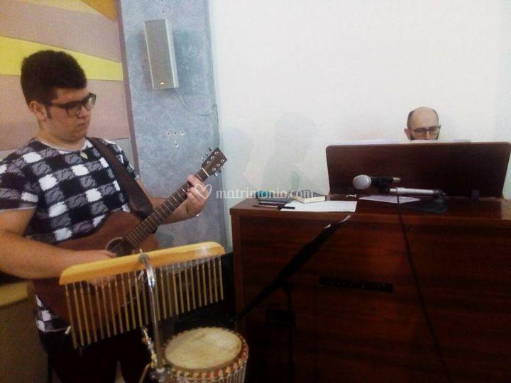 Organo, coro, chitarra e perc.