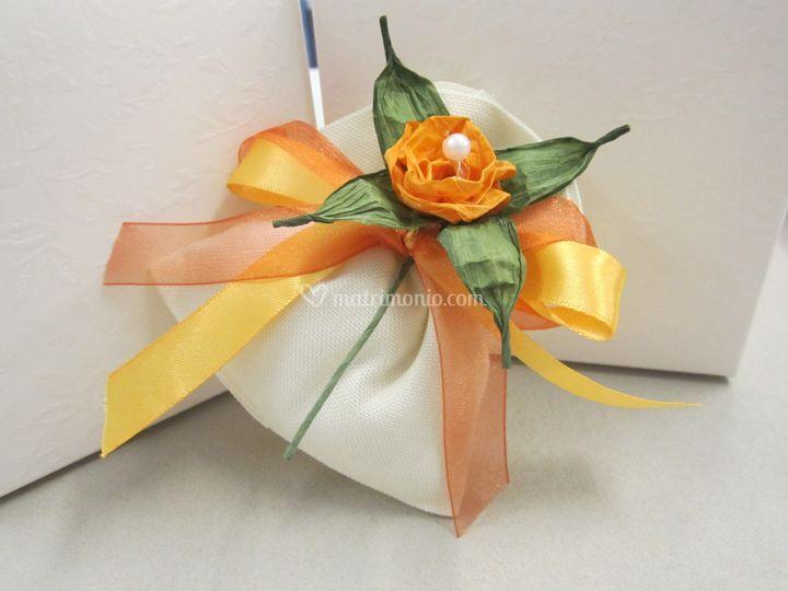 Sacchetto con fiore pirkka