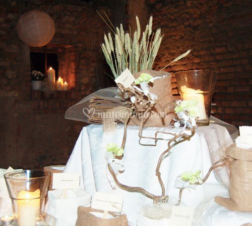 Matrimonio Stile Rustico : La rosa in bianco