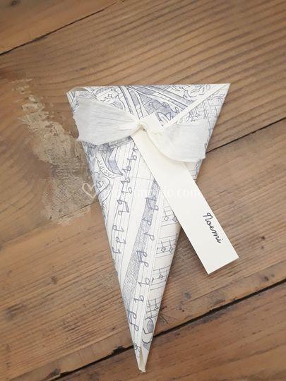 Coni di carta