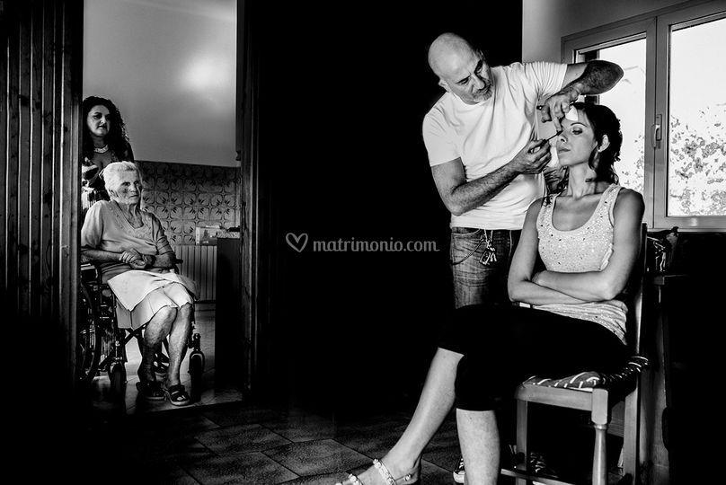 Preparazione sposa e nonna
