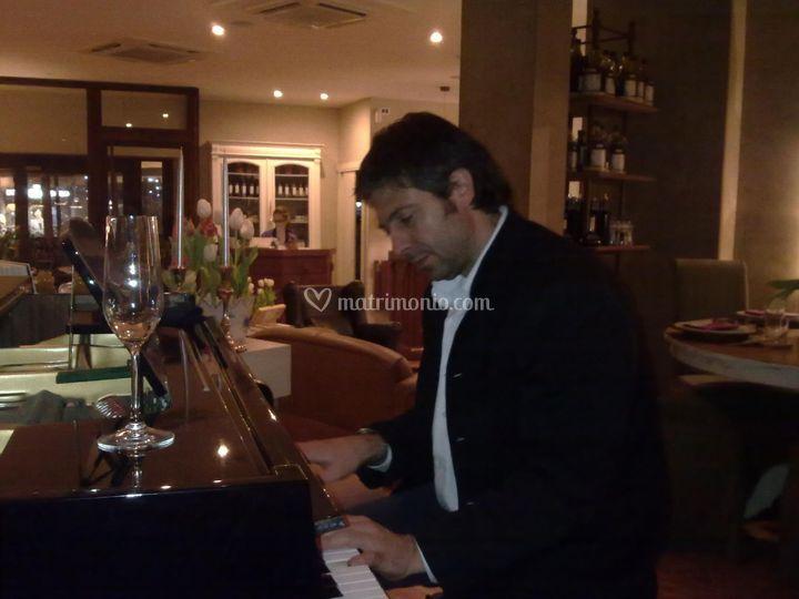 Piano soft live aperitivo....