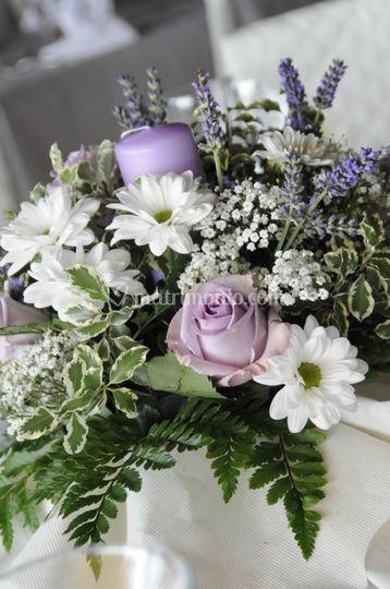 Centrotavola lilla con Candela