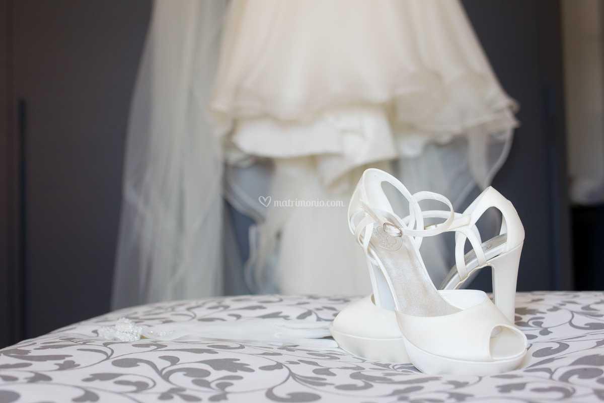 Scarpe Sposa Viareggio.Scarpe E Vestito Di Foto Lumi Foto 101