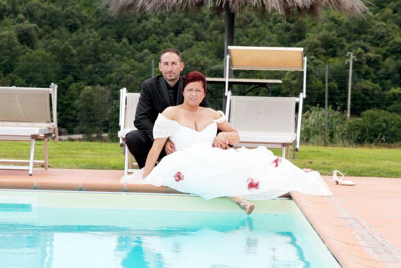 Foto sposi bordo piscina