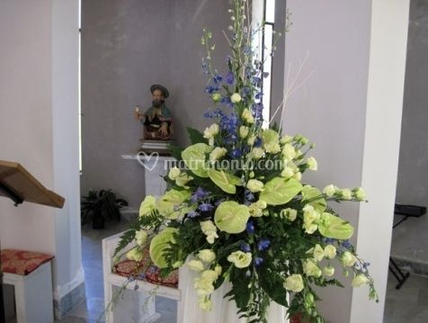 Decorazione floreale per chiesa