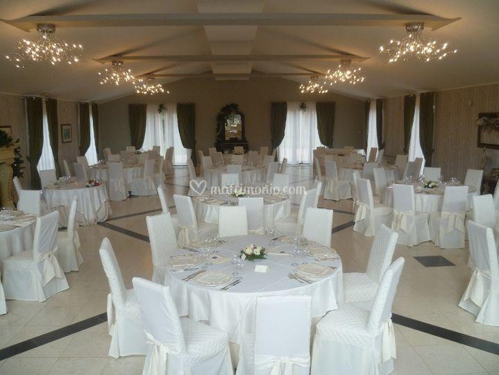 Allestimento sala in bianco