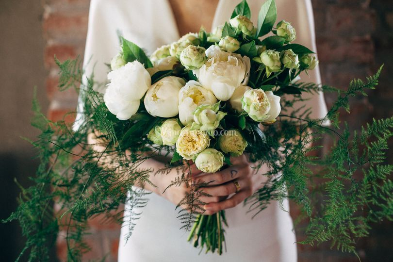 Bouquet peonie e garden roses