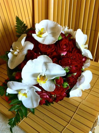 Bouquet orchidee e rose