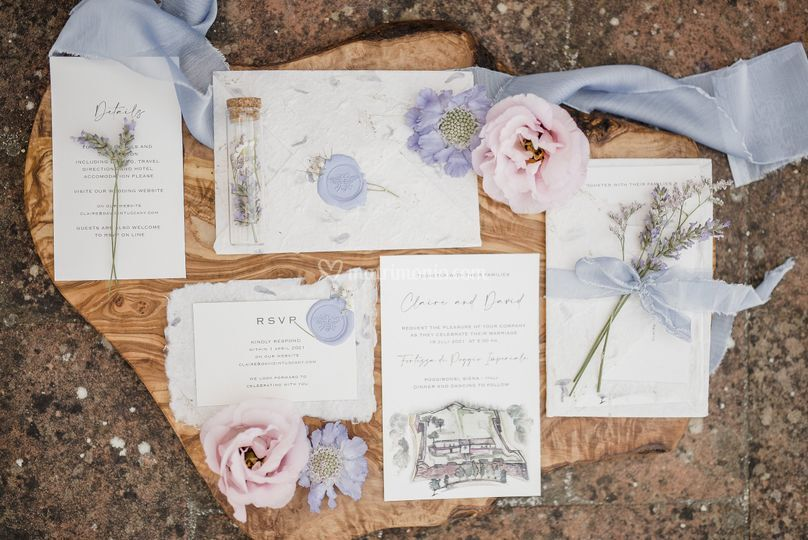Buste carta fiori e petali