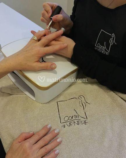 Manicure di Alto Livello.