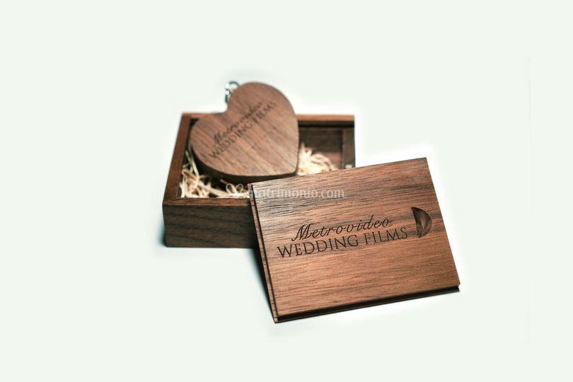 Box in legno di noce