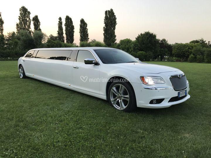 New Strech Limousine Chrysler