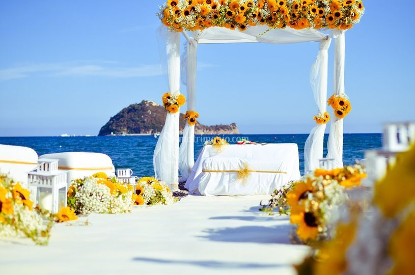 Altare sul mare