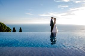 Villa Riviera Suites