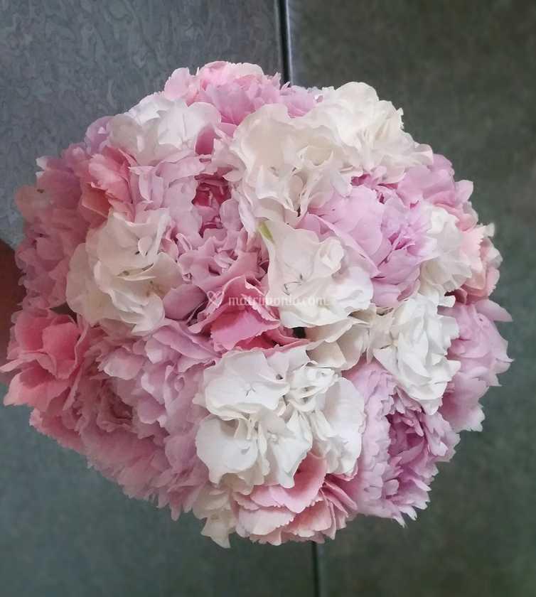 Bouquet Sposa Con Ortensie.Bouquet Con Ortensie E Peonia Di Linea Verde Foto 44