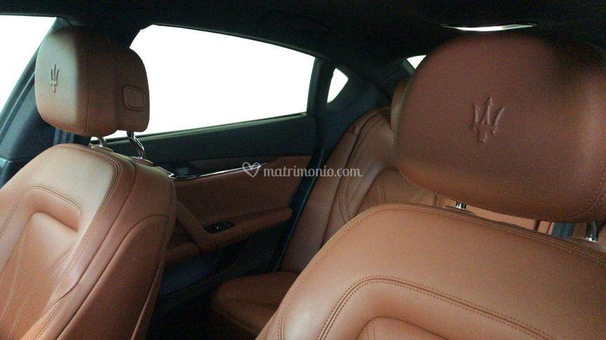 Maserati quattroporte nero