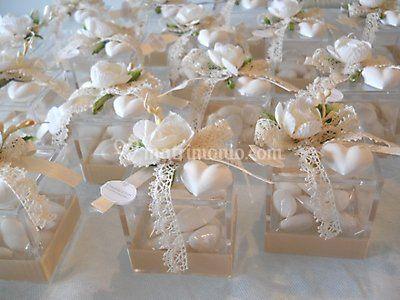 Il fiore bomboniere for Vasi per confettata on line