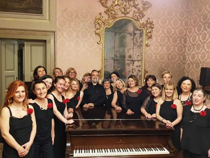 """Coro femminile """"Note di Donne"""""""