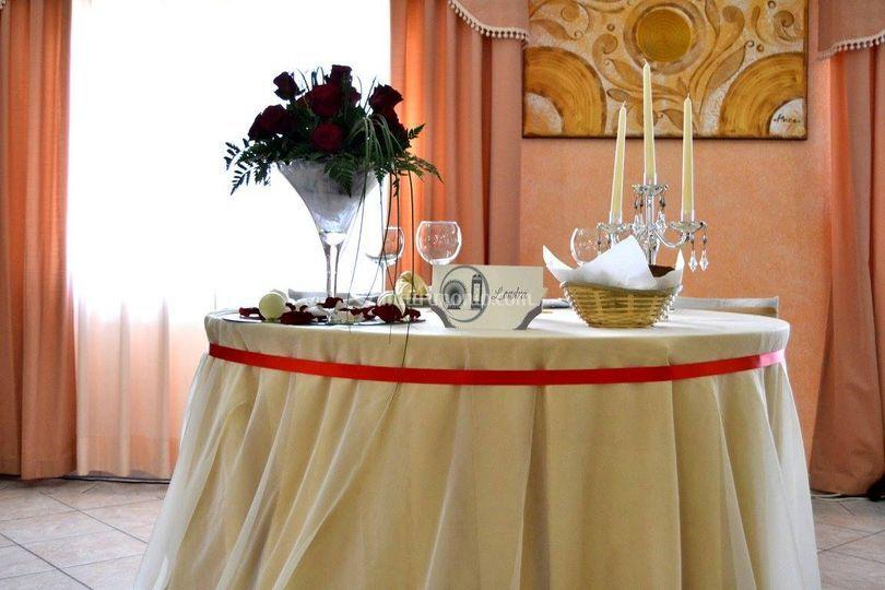 Tavolo tondo Sposi