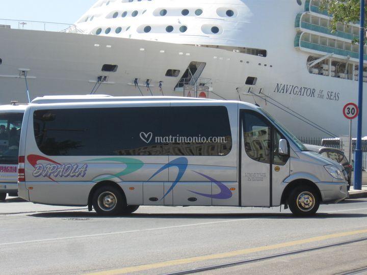 Minibus 21 posti