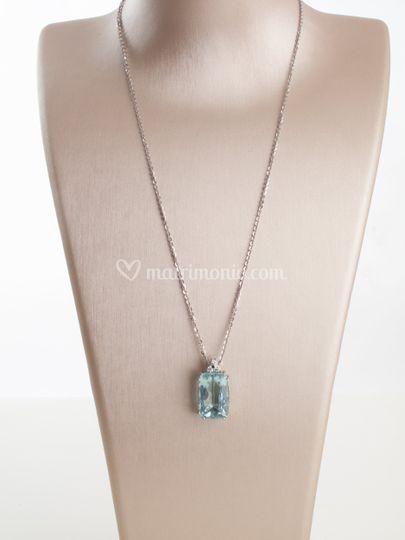 Colonna acquamarina e diamanti