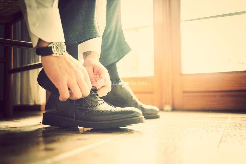 Lo sposo si veste