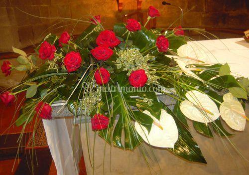Rose rosse e anthurium