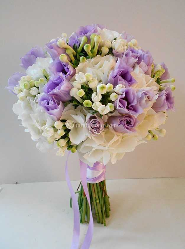 Bouquet Sposa Lilla E Bianco.Bouquet Lisianthus Lilla Di La Gardenia Di Gambini Maristella