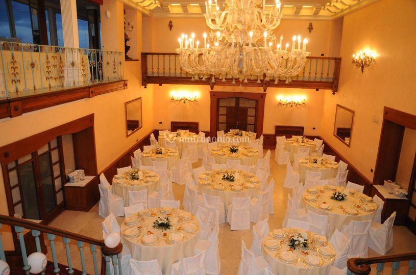 Matrimonio nel grande salone delle feste