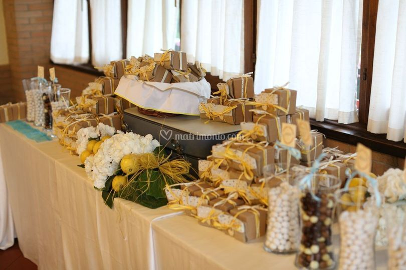 Matrimonio Tema Amalfi : Ristorante estest