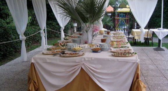 Buffet all'aperto