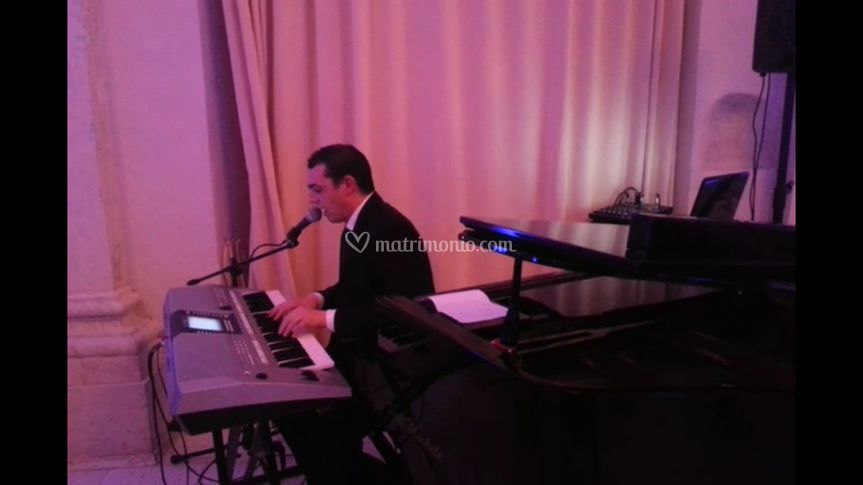 Live piano solo
