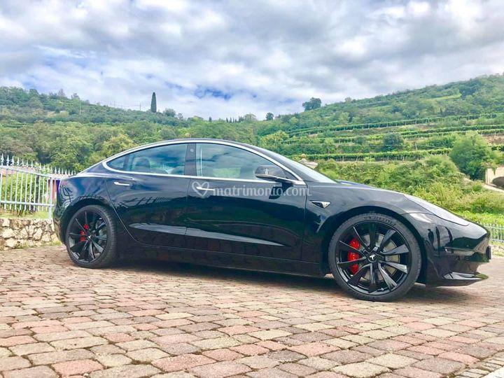 Enerev - Noleggio Tesla