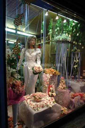 Vetrina sposi negozio Gaggiano