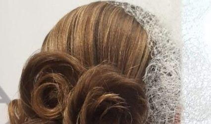 Laura Hair Style