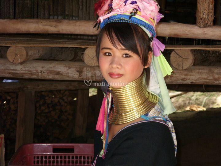 Nord Thailandia-Donna Giraffa