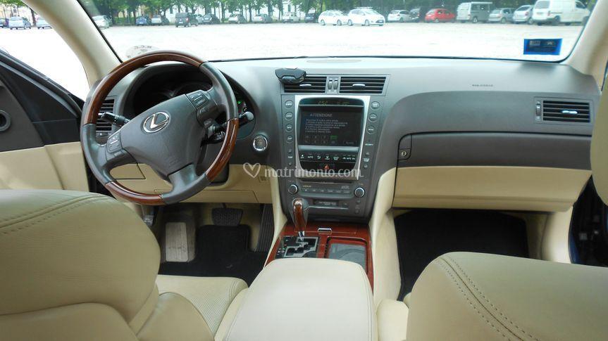 Interno Lexus
