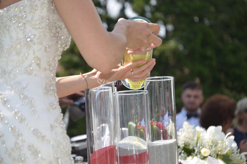 Matrimonio Simbolico Rito Della Sabbia : Il celebrante franco tosi
