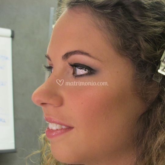 Make up smokey sposa grigio