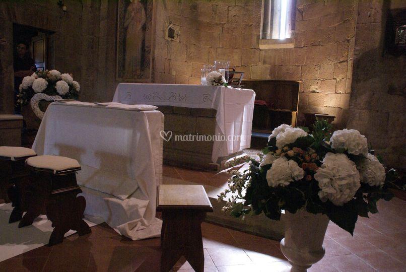 Addobbo di una chiesa romanica