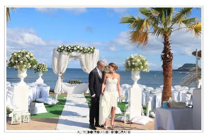 Matrimonio Spiaggia Pozzuoli : Kora events