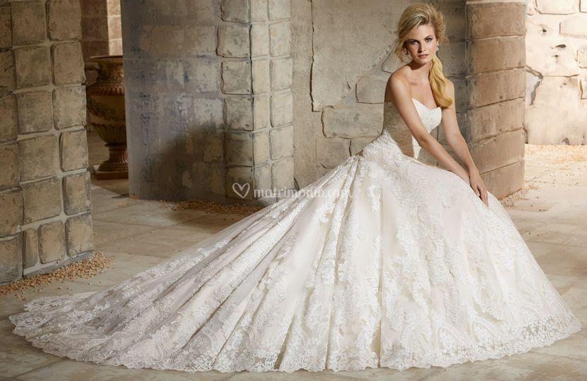 3267bc2135f1 Vogue Spose Torino