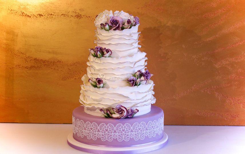Lisianthus & lace cake