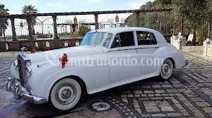 Rolls Royce silver cloud-