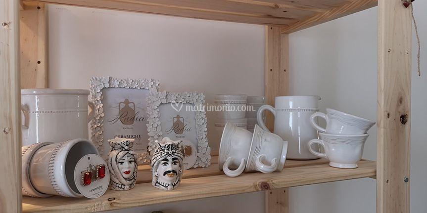 Cornici, tazze in ceramica