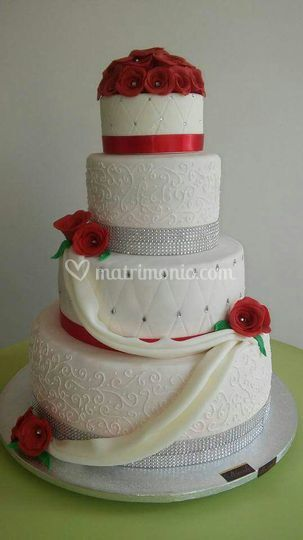 Wedding cake di rose