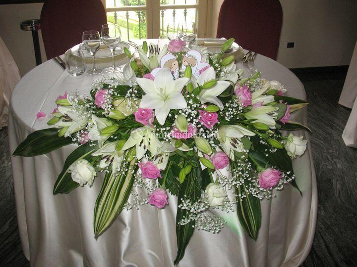 Tavolo sposi in fucsia