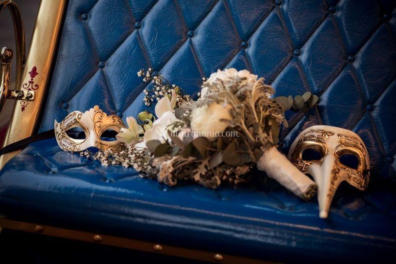 Maschere e bouquet